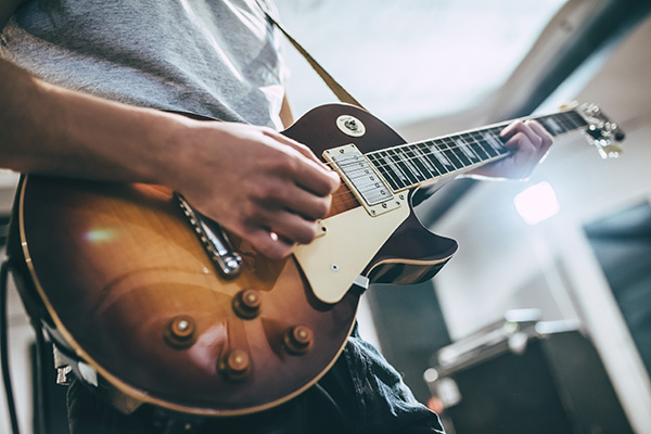 20 EFFECTIVE WAYS TO PROTECT YOUR GUITAR
