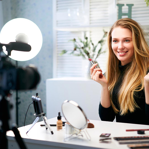 Beauty Influencers: Be Prepared with E&O Insurance