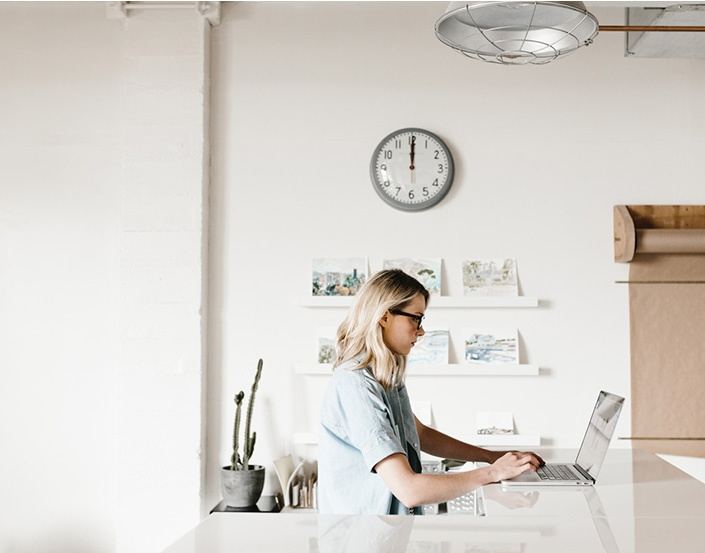 profile-woman-desk.jpg